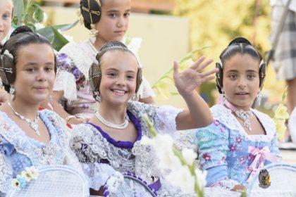 Valeria Bueno Contell en la tradicional batalla de flors celebrada el el paseo de la Alameda, Valencia