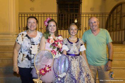 Tradicional batalla de flors celebrada el el paseo de la Alameda, Valencia